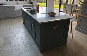 Bespoke island with curved top